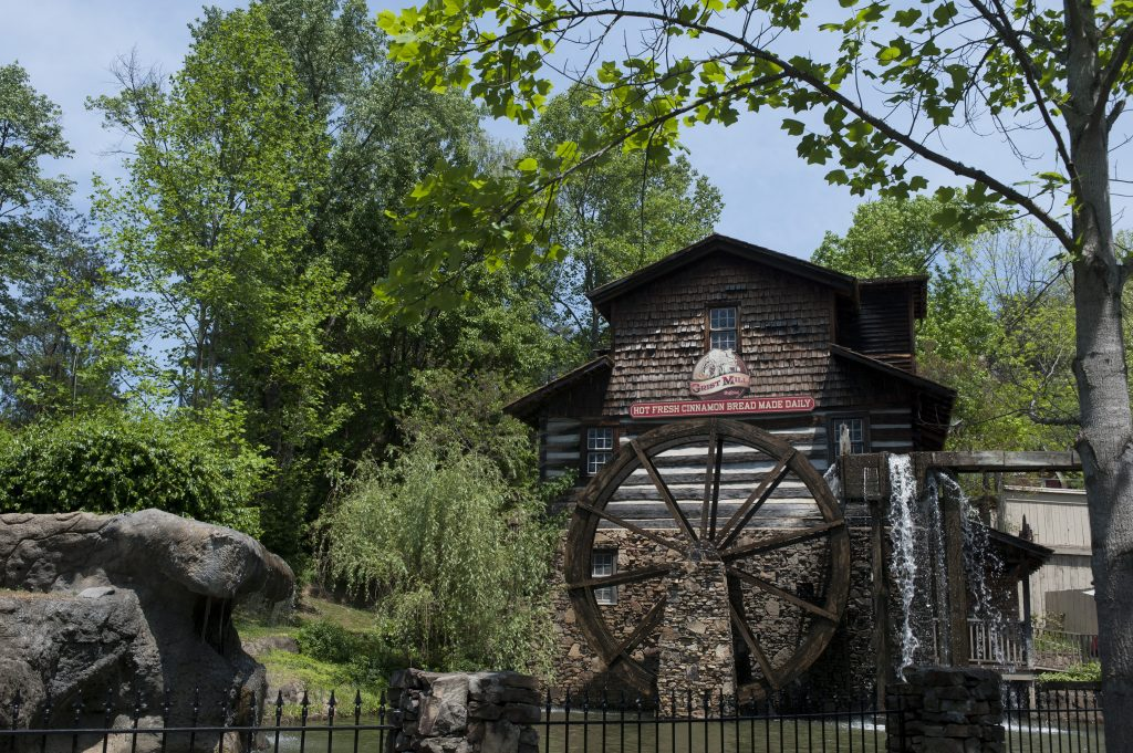 Dollywood-Grist-Mill