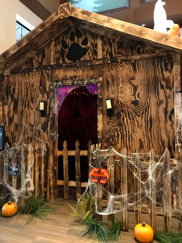 Howl-O-Ween-House-Great-Wolf-Lodge