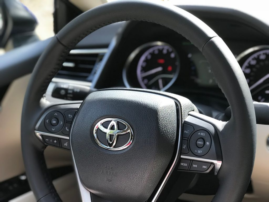 toyota-camry-xle